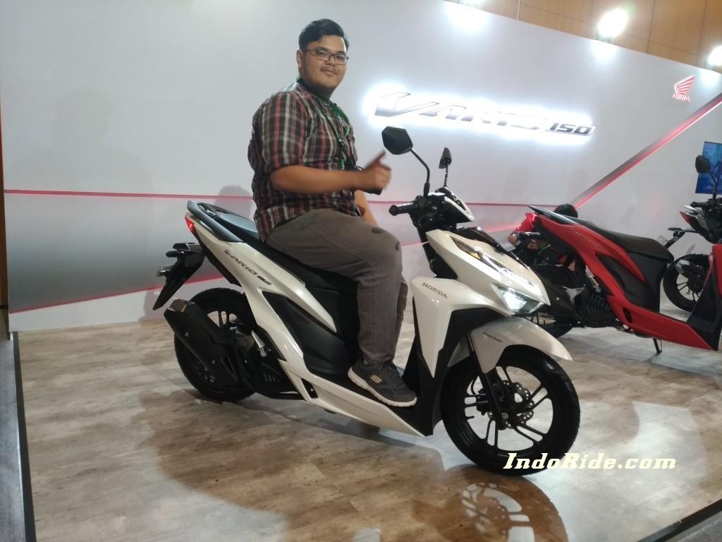 Modifikasi Honda Vario 150 Facelift Ala Low Rider Gokil Pake Air