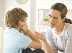 Ingin menghilangkan kebiasaan buruk pada anak? Cara terbaik untuk memulainya adalah dari orang tua yang bisa dengan benar memberikan penjelasan yang masuk akal serta memberi contoh yang baik pada anaknya