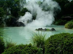Tempat Pemandian Air Panas Alami