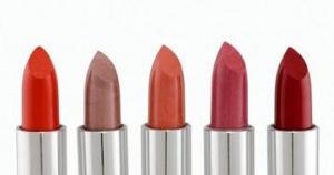 Warna Lipstik Terbaik yang Harus Dimiliki Setiap Wanita