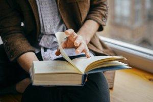 Buku-buku yang Bisa Dibaca Ketika Bepergian