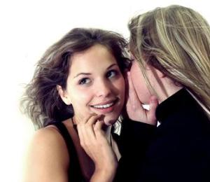 Menyimpan Rahasia dari Sahabat