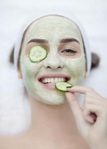 Membuat Masker Wajah Mentimun