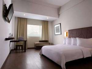 Harga Menginap di Hotel Santika