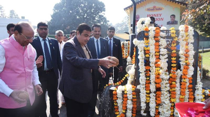 MSME Minister Gadkari flags off KVIC 'Apiary on Wheels' for affordable, sustainable bee boxes