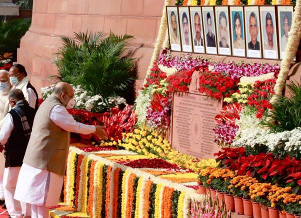 HM pays tribute to martyrs of 2001 Parliament attacks | indusdictum