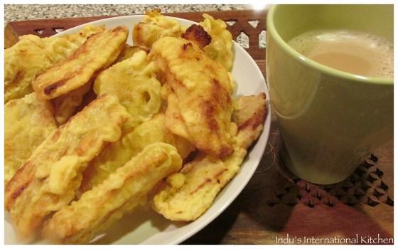 Plantain fritters (Pazham Pori)
