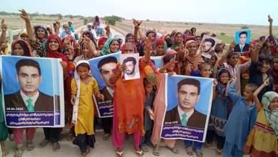 Photo of فريدآباد:  ڄامشورو مان گم ٿيل نوجوان جي وارثن پريس ڪلب اڳيان ڌرڻو، ڪنھن به قومپرست تنظيم سان تعلق ناھي