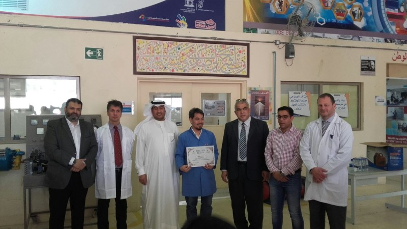 PHOTO Certificate cerimony
