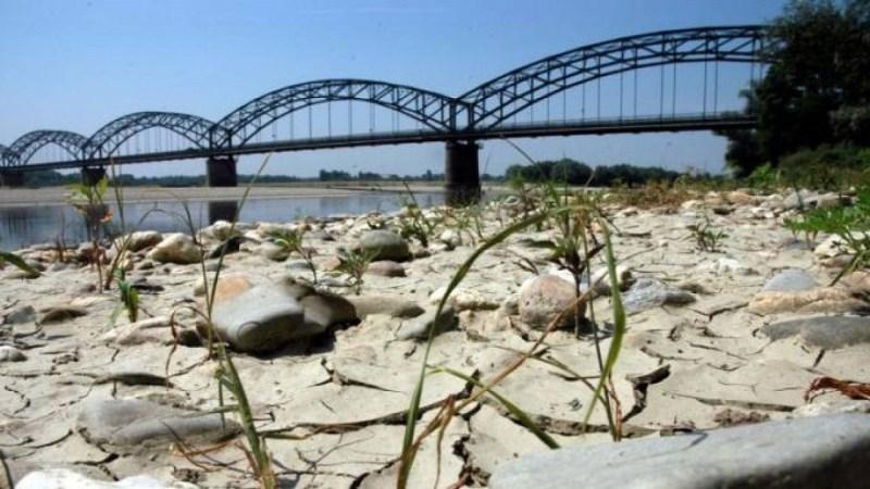 siccità_fiume_po-1280X720.jpg