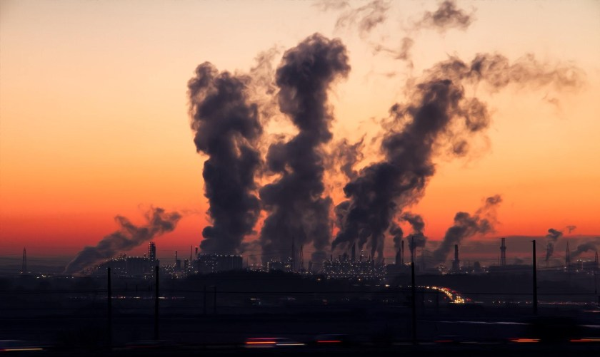 air-pollution-chimney-city-221000