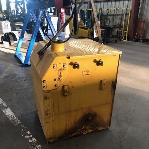 Cat equipment fuel tank repair