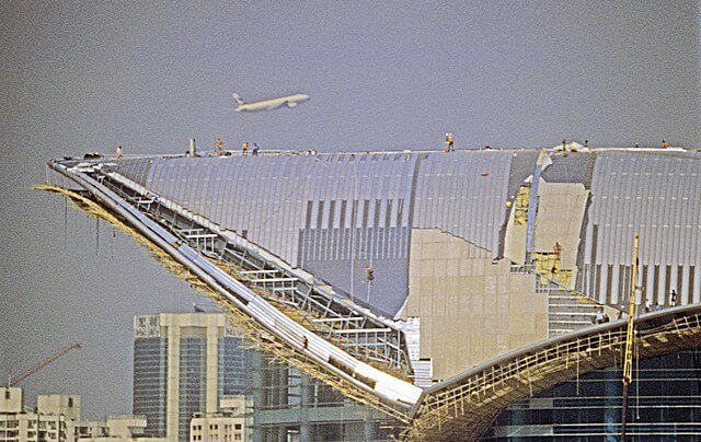 Hong Kong-Wanchai-Convention & Exhibition Centre-006-Roof Construction-1997