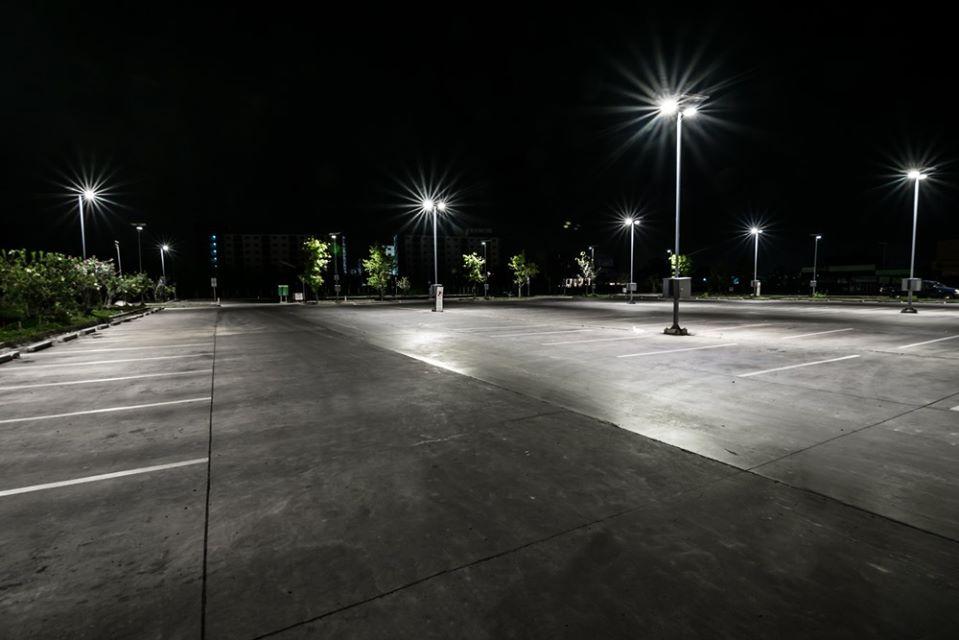 parking lot lighting pole