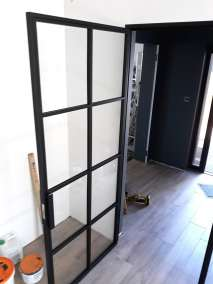 Drzwi industrialne z naświelem