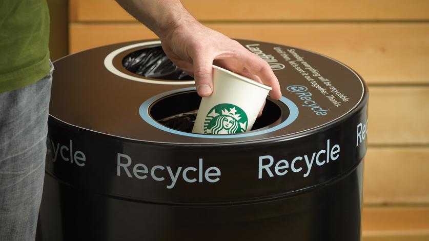 Starbucks dará una recompensa de 10 mdd a quien logre hacer vasos 'ecofriendly'