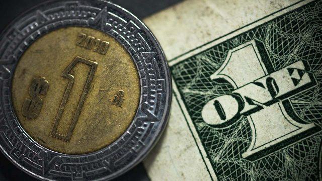 El peso mantiene su racha ganadora frente al dólar