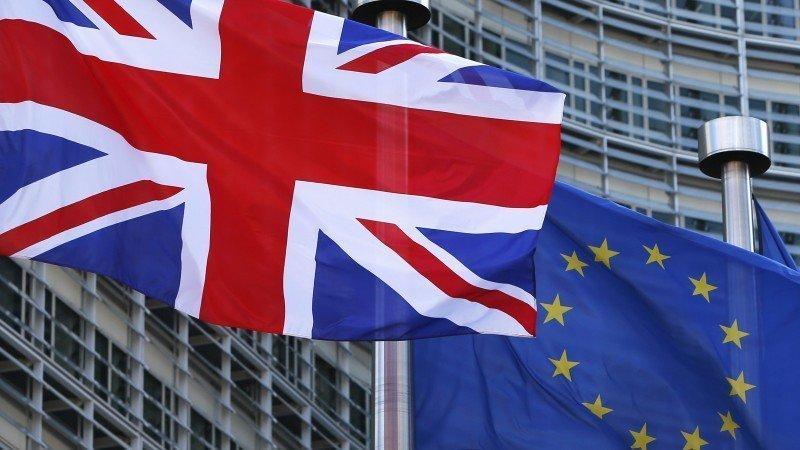 Estímulos y acuerdo por Brexit llevan a Wall Street a máximos históricos