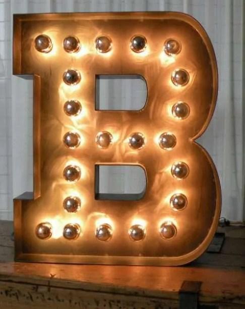 Letterlamp van staal met kopspiegellampen