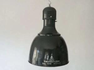 Geemailleerde blauwe hanglamp 1