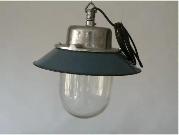 Geemailleerde stolplamp 2