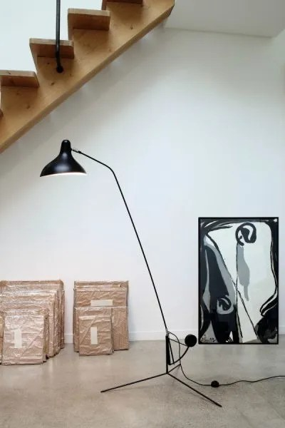 Mantis BS1 floorlamp Zwart-satijn in situ 2
