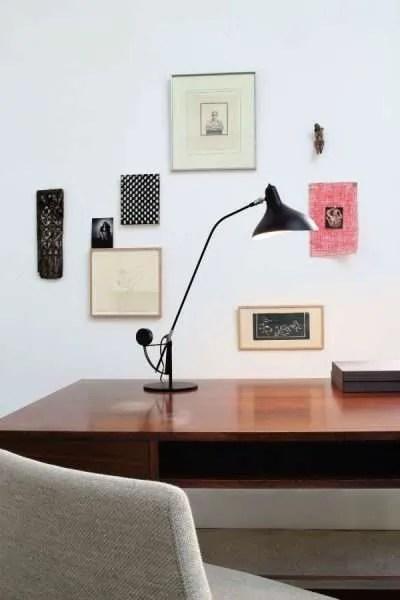 Mantis BS3 bureaulamp Zwart-satijn op bureau