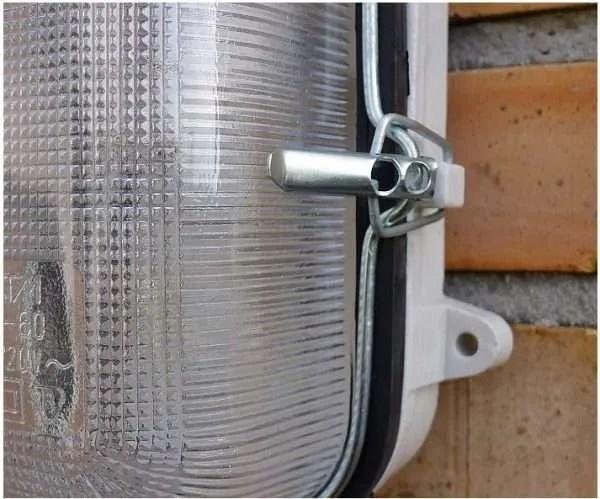 Porseleinen bunkerlamp detail
