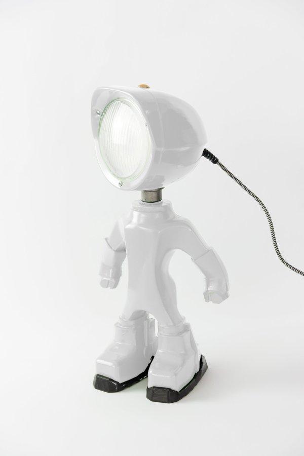 The lampster wit BINK lampen zijkant