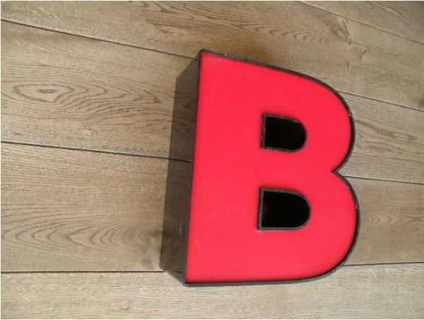 letterlamp rood B 2