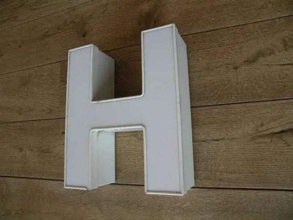 Letterlamp H wit zijkant 2