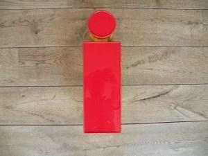 Letterlamp rood geel i voorkant