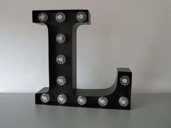 letterlamp bakletter L voorkant