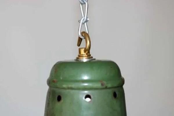 Geëmailleerde groene hanglamp XL detail