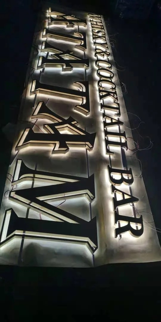 Bar letters backlit creatief 1
