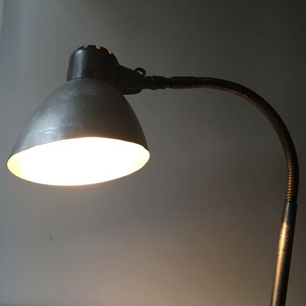 SIS lamp 4