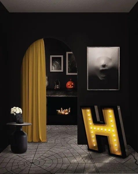 Delightfull letterlamp H in kamer