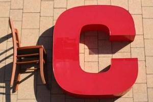 rode letter C sign met verlichting 1
