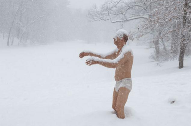 Sleepwalker in Underwear Draws a Crowd Wherever He Goes