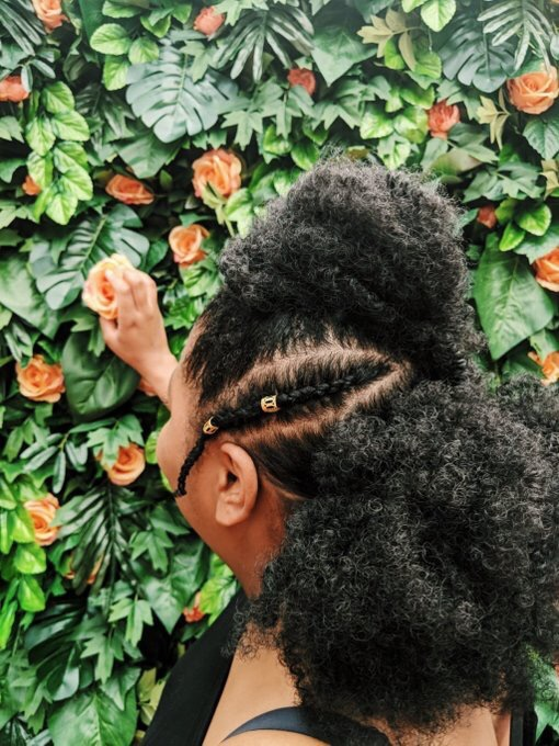 Lifestyle wellness and natural hair blogger Saabirah Lawrence