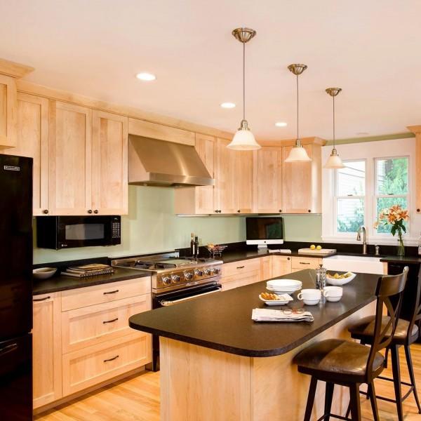 7 Kitchen Backsplash Ideas with Maple Cabinets That Do It ... on Backsplash For Maple Cabinets  id=83803