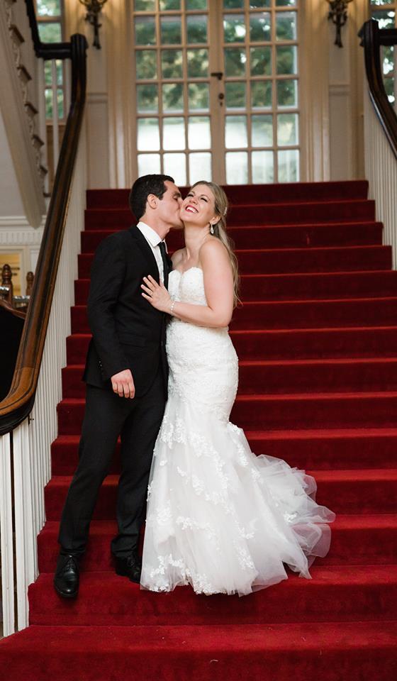 Kissing Wedding