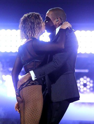 Beyonce-Jay-Z-Grammys-2014-1