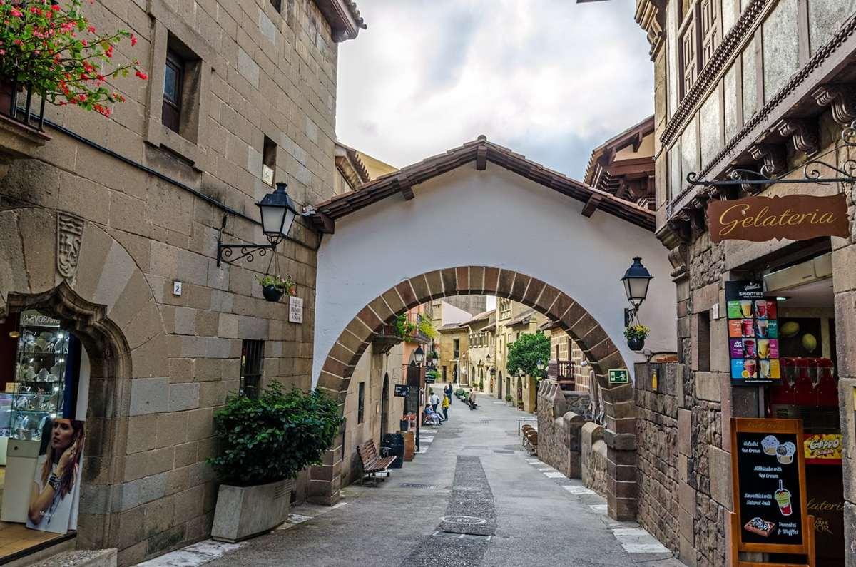Cała Hiszpania w jednej wiosce czyli Poble Espanyol w Barcelonie