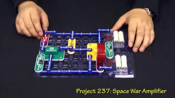 Snap Circuits Jr. SC-100 Electronics Discovery Kit