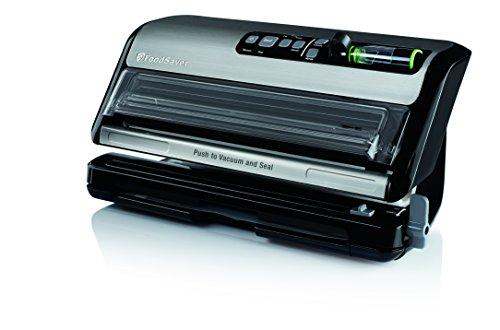 FoodSaver New FM5000 Series 2-in-1 Vacuum Sealing System Plus Starter Kit
