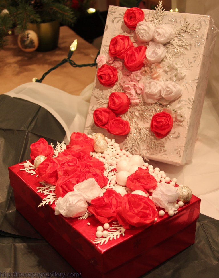 White and red: Christmas gift boxes