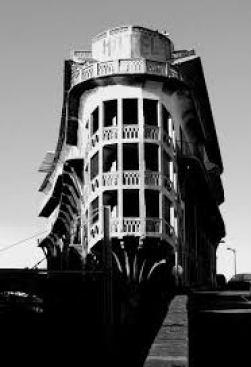 L'Hôtel Belvédère du Rayon vert à Cerbère dans les Pyrénèes orientales.
