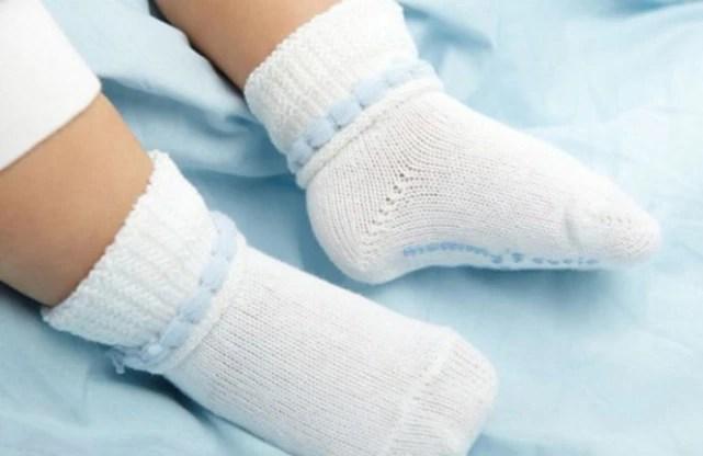 睡覺時穿襪子的圖片搜尋結果
