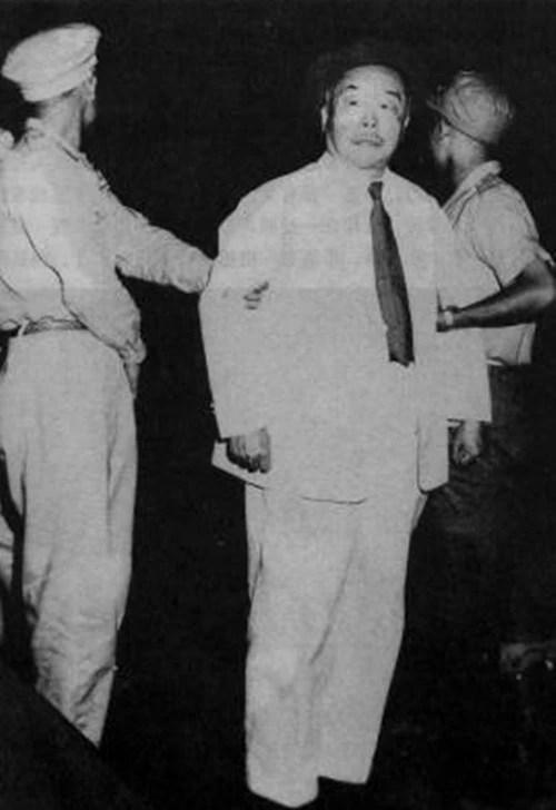 此人被槍斃,毛主席安慰周總理道...